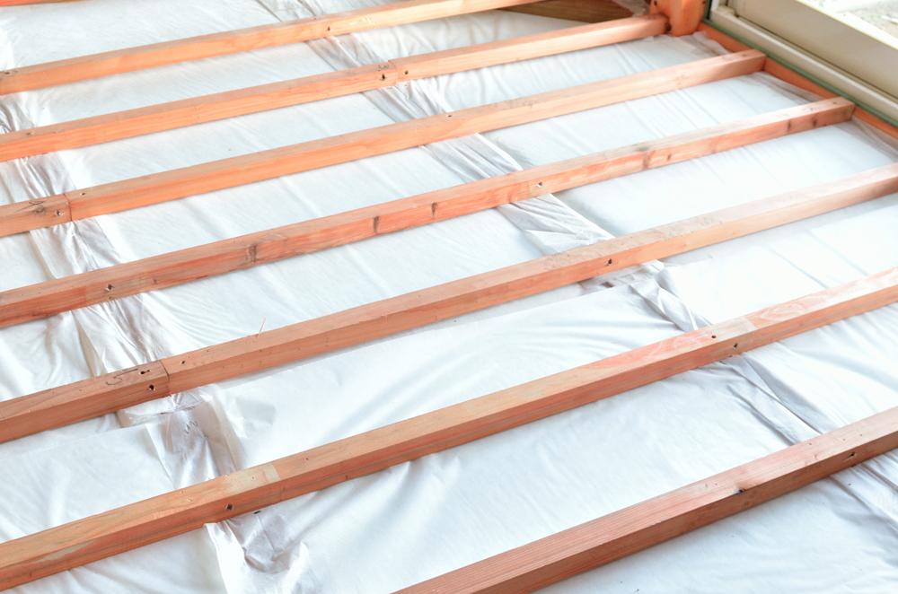 木の家 断熱材施工 1階床