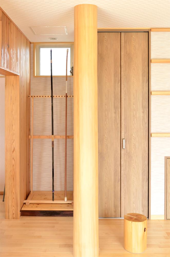 毛呂山町 木の家 完成見学会 大黒柱と飾り台