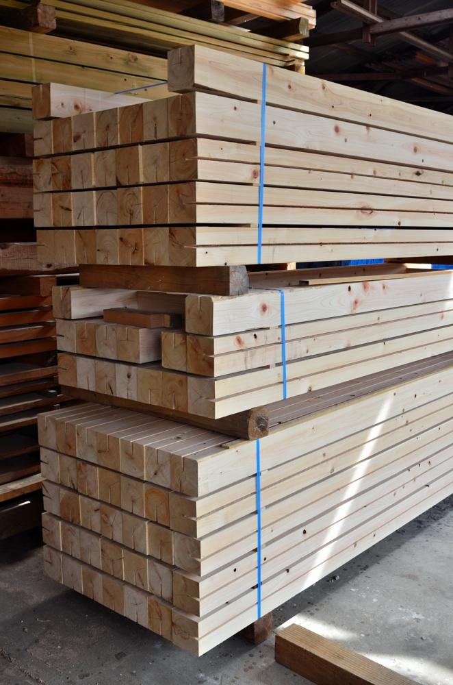 西川材 檜柱材