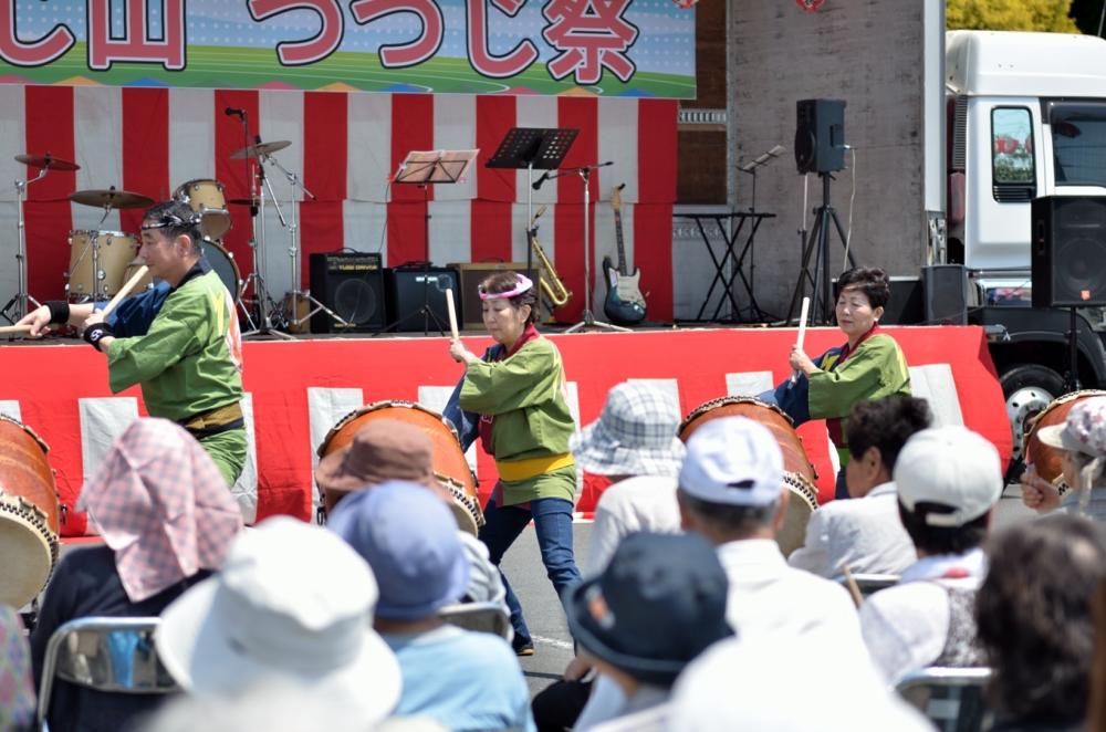 つつじ祭り 太鼓の演奏