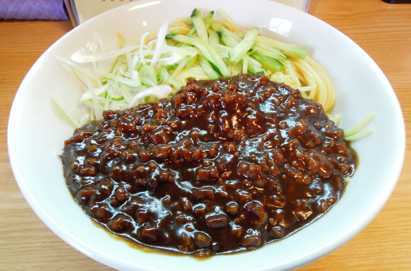 鳩山ジャージャー麺