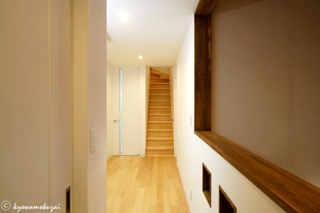 ロフト階への階段